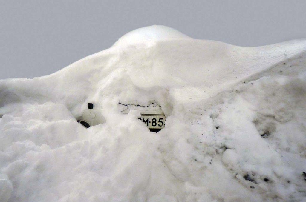 Publié le 19/02/2012 à 14:15 par starzia tags : homme voiture neige